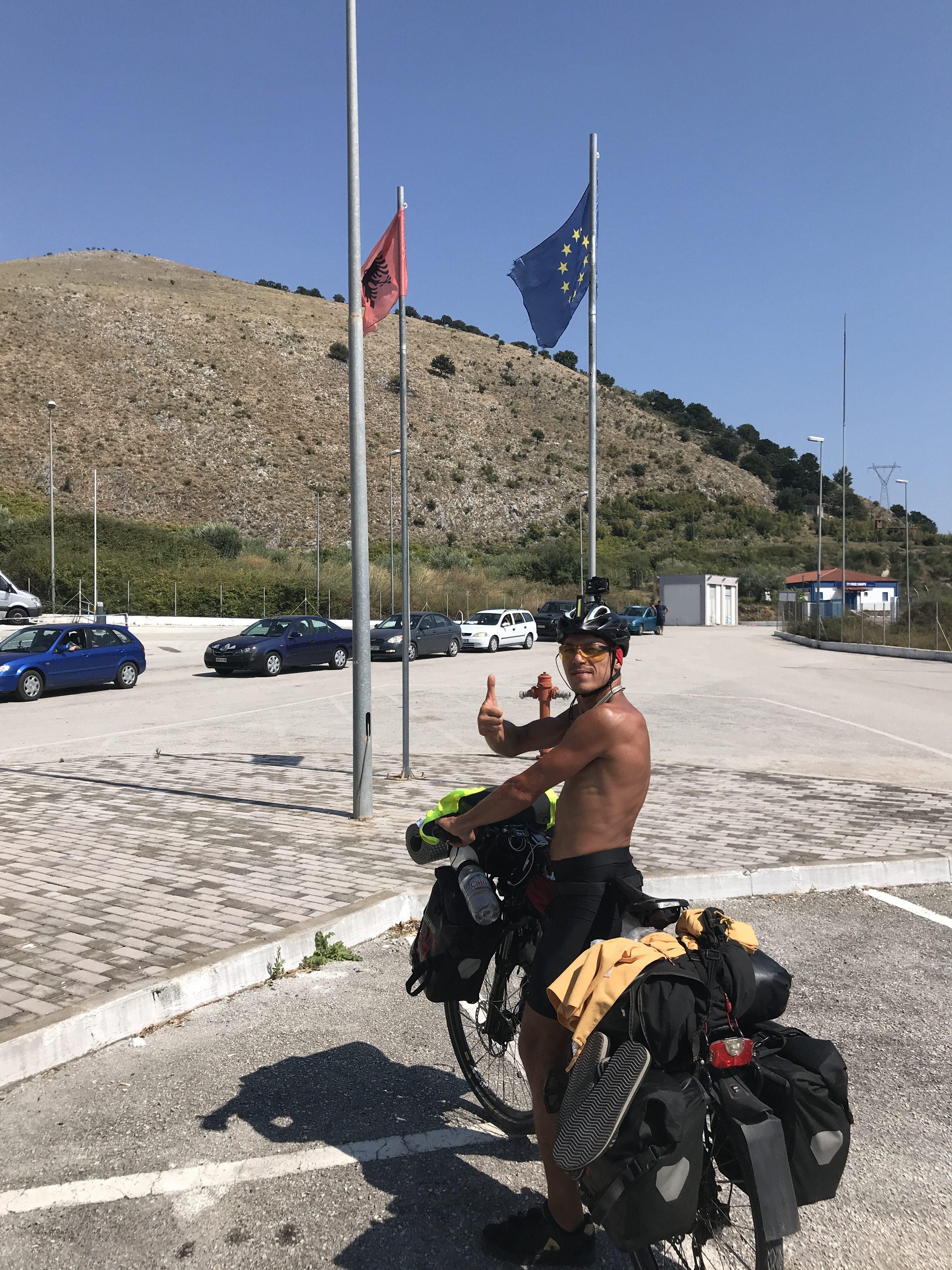 appena arrivato in Grecia dall'Albania, subito dopo la dogana